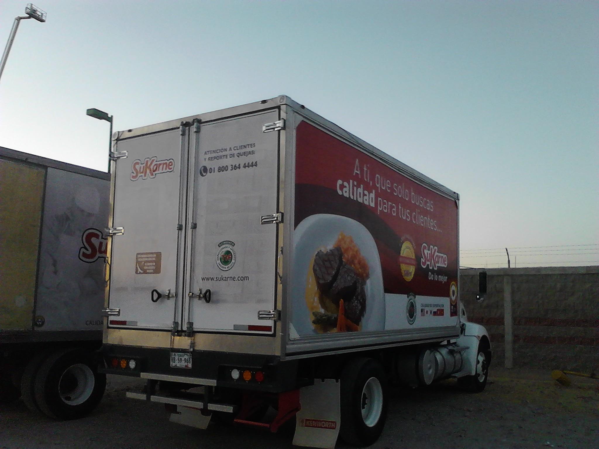 Rotulación en vinil de camión