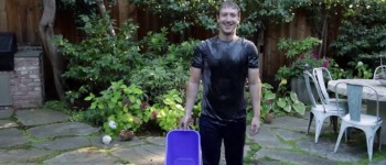 mark-zuckerberg-als-ice-bucket-challenge-960x623